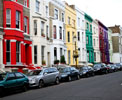 http://photosdelondres.com/maisons-colorees-notting-hill-londres